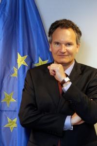 Robert-Jan Smits  DG Research